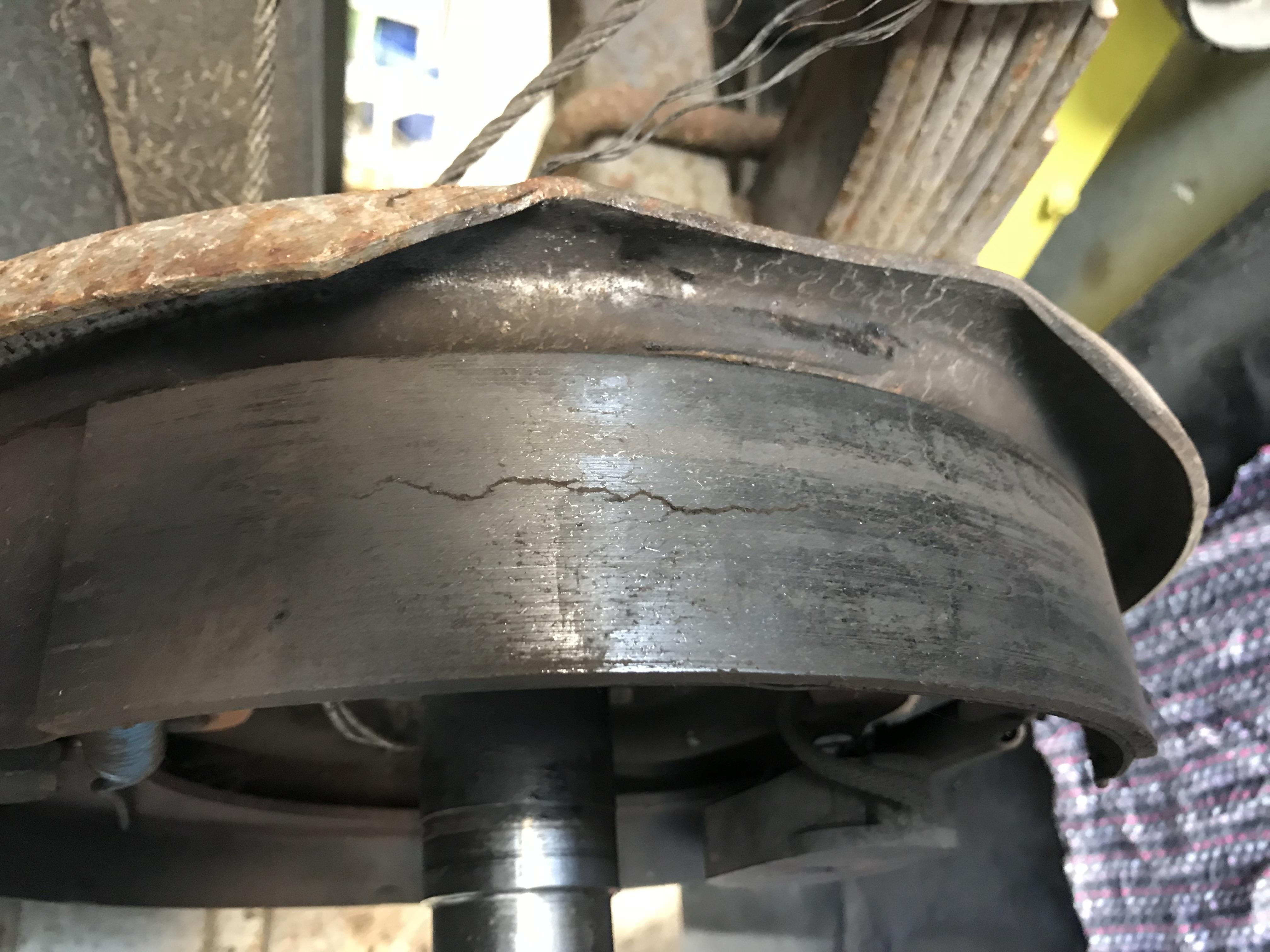 Brake pad crack